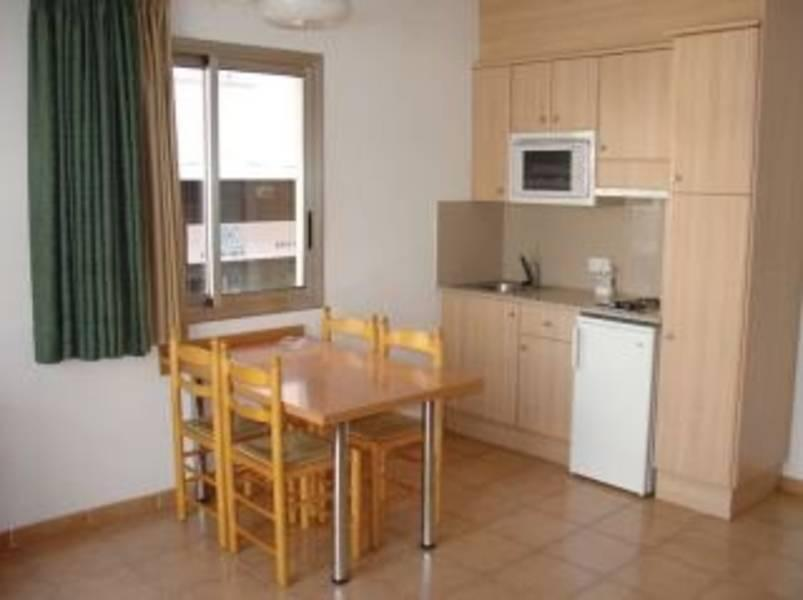 Holidays at Olivo Apartments in Lloret de Mar, Costa Brava