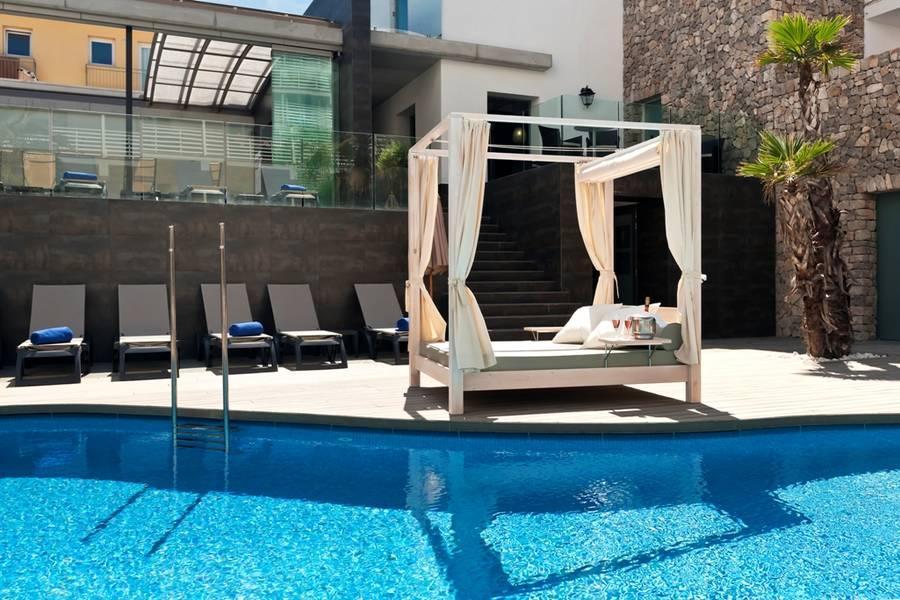 Holidays at Barcelo Hamilton Hotel in Es Castell, Menorca