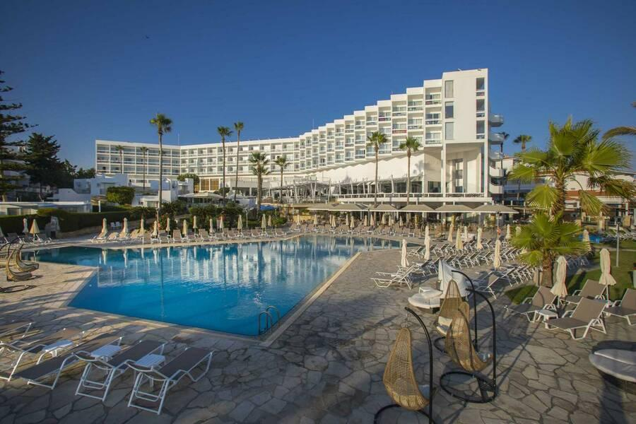 Holidays at Cypria Maris Beach Hotel in Paphos, Cyprus