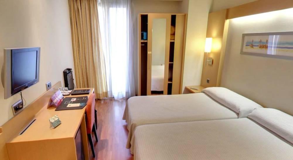 Holidays at Abba Rambla Hotel in Las Ramblas, Barcelona