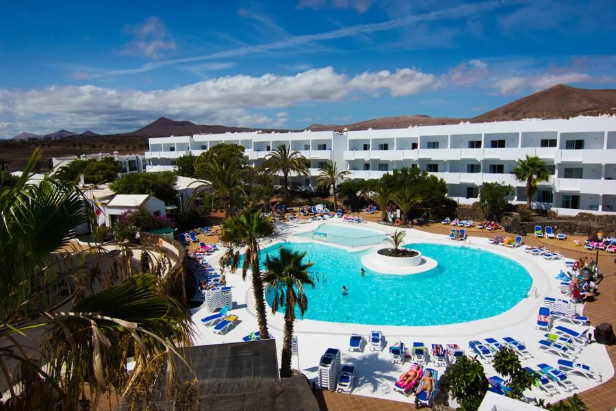 Holidays at Ficus Apartments in Costa Teguise, Lanzarote