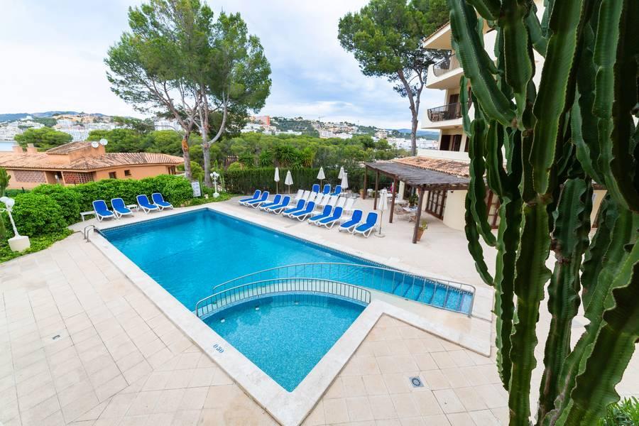 Holidays at Casa Vida Apartments in Santa Ponsa, Majorca