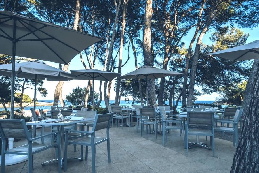 Holidays at Iberostar Pinos Park Hotel in Font de sa Cala, Majorca