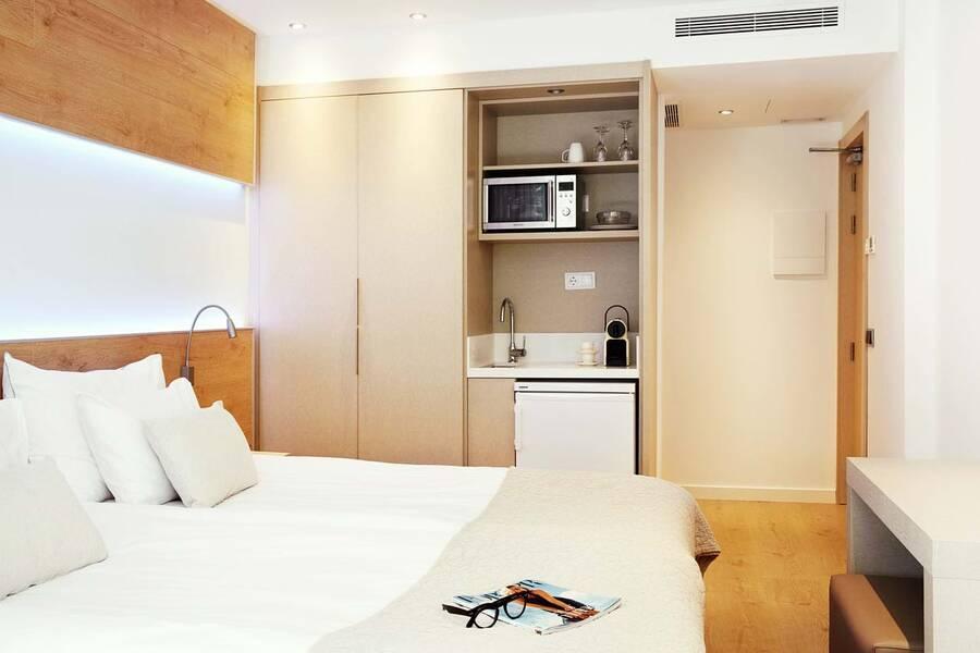 Holidays at Tamarix Hotel in Cala d'Or, Majorca