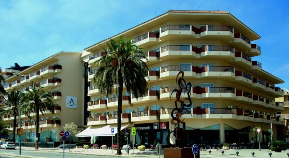Holidays at Aqua Hotel Promenade in Pineda de Mar, Costa Brava