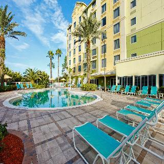 Comfort Suites Maingate East Hotel