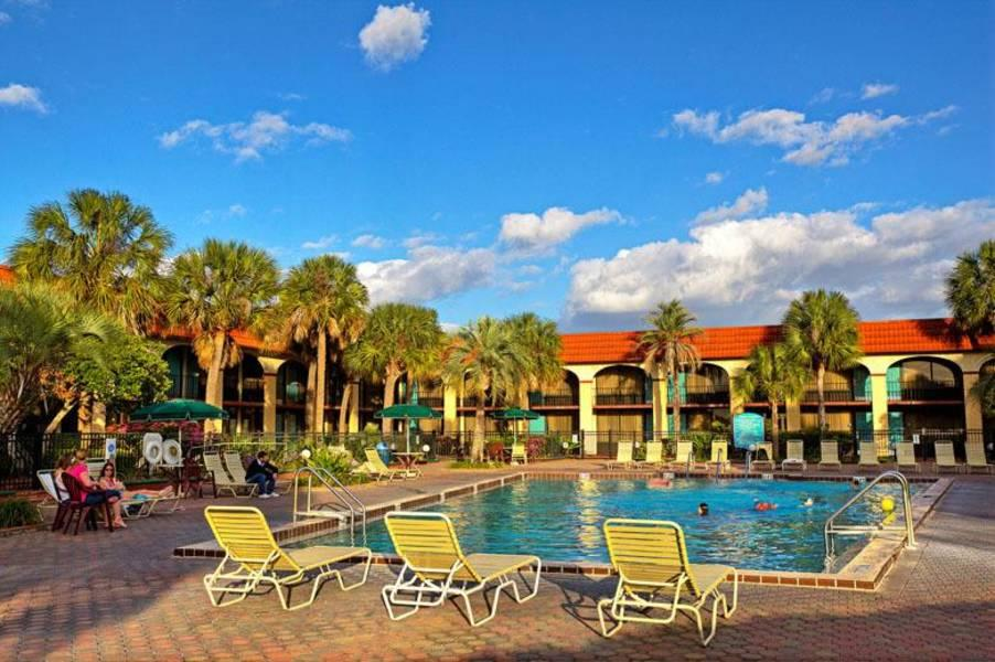 Holidays at Maingate Lakeside Resort Hotel in Kissimmee, Florida