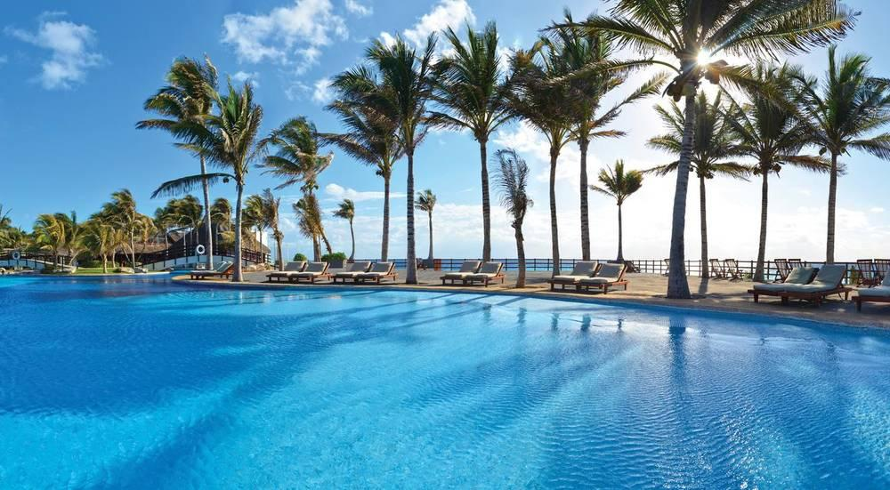 Holidays at The Pyramid Luxury at Grand Oasis in Cancun, Mexico