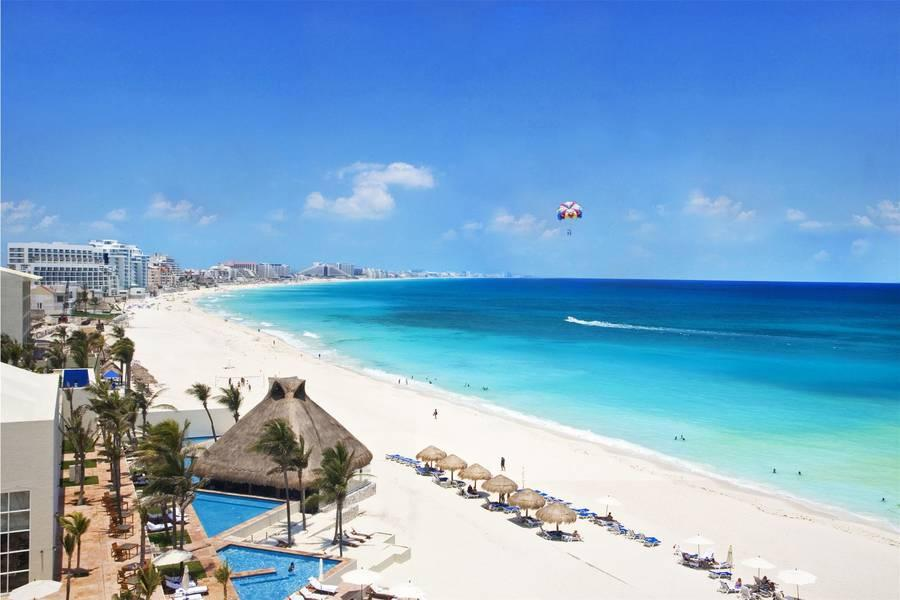 Holidays at Westin Resort and Spa Cancun in Cancun, Mexico