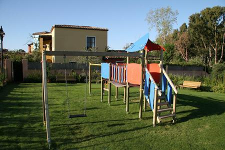 Holidays at Residence Borgo degli Ulivi Hotel in Gardone Riviera, Lake Garda