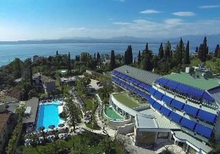 Holidays at Olivi Hotel in Sirmione, Lake Garda