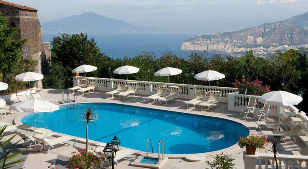 Holidays at Jaccarino Hotel in Sorrento, Neapolitan Riviera