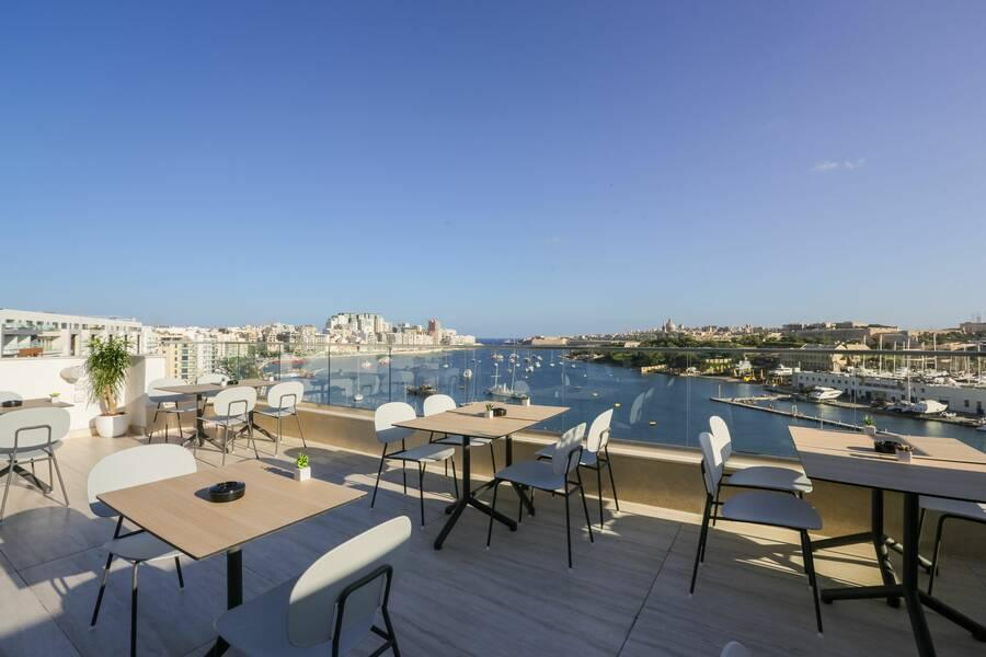 Holidays at 115 Strand Aparthotel in Sliema, Malta