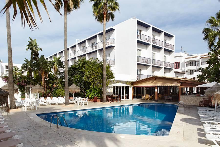 Holidays at Mar Y Huerta Hostel in Es Cana, Ibiza