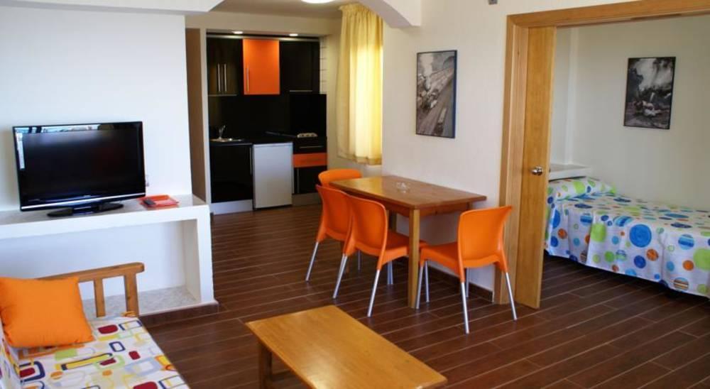 Jet Apartments, Playa d'en Bossa, Ibiza, Spain. Book Jet ...