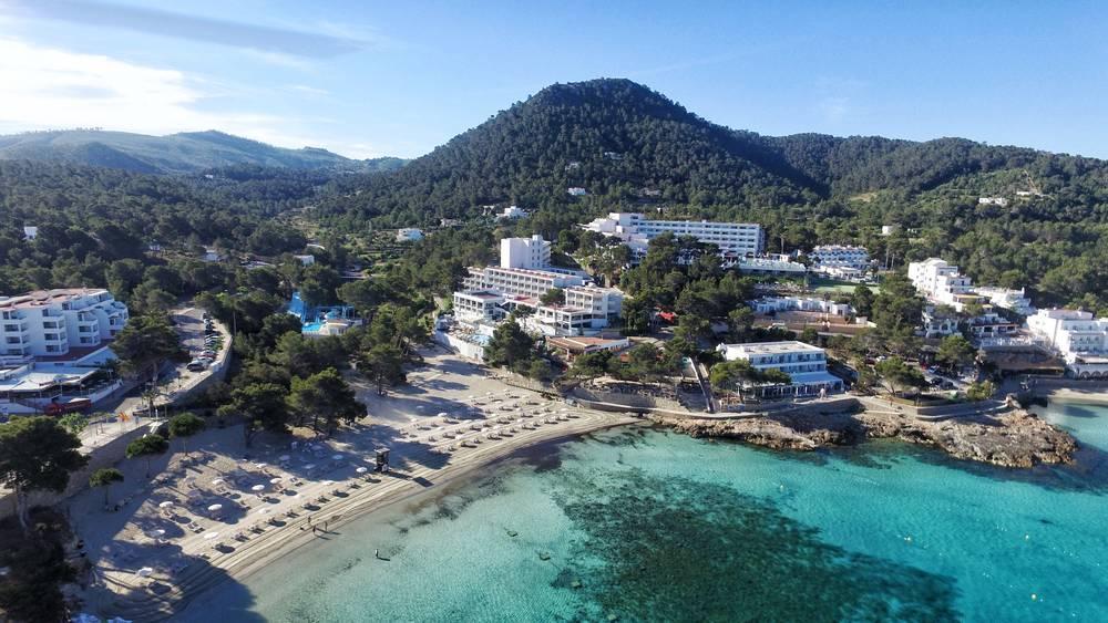 Holidays at Sandos El Greco Beach Hotel in Portinatx, Ibiza