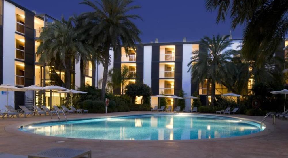 Holidays at Las Gaviotas Suites Hotel in Playa de Muro, Majorca