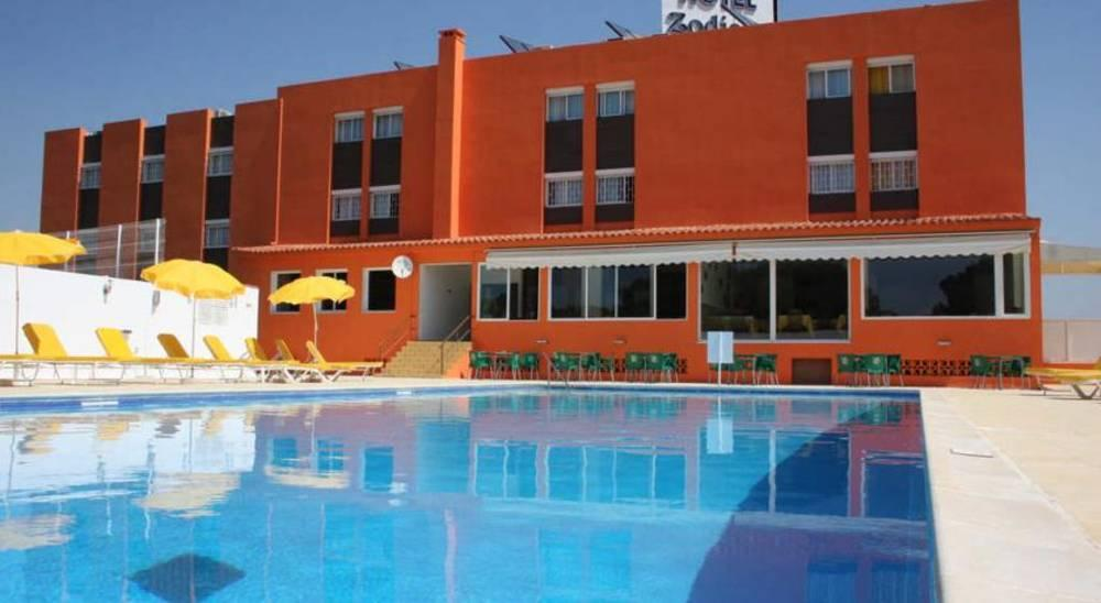 Holidays at Zodiaco Hotel in Quarteira, Algarve