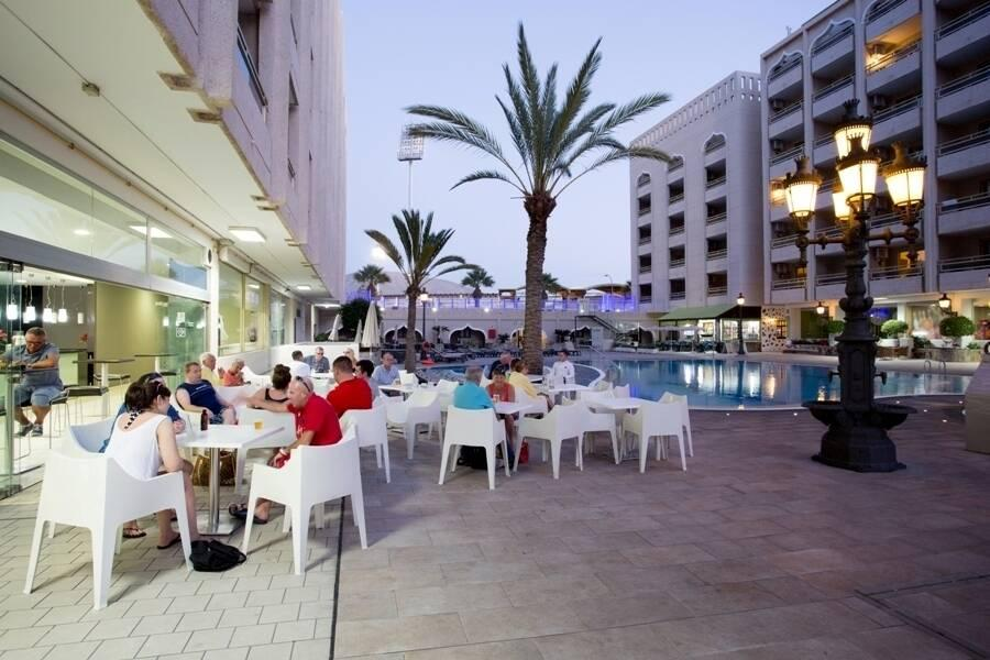 Columbus aparthotel playa de las americas tenerife for Aparthotel jardin de playa