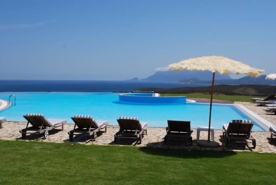 Holidays at Luna Lughente Hotel in Olbia, Sardinia