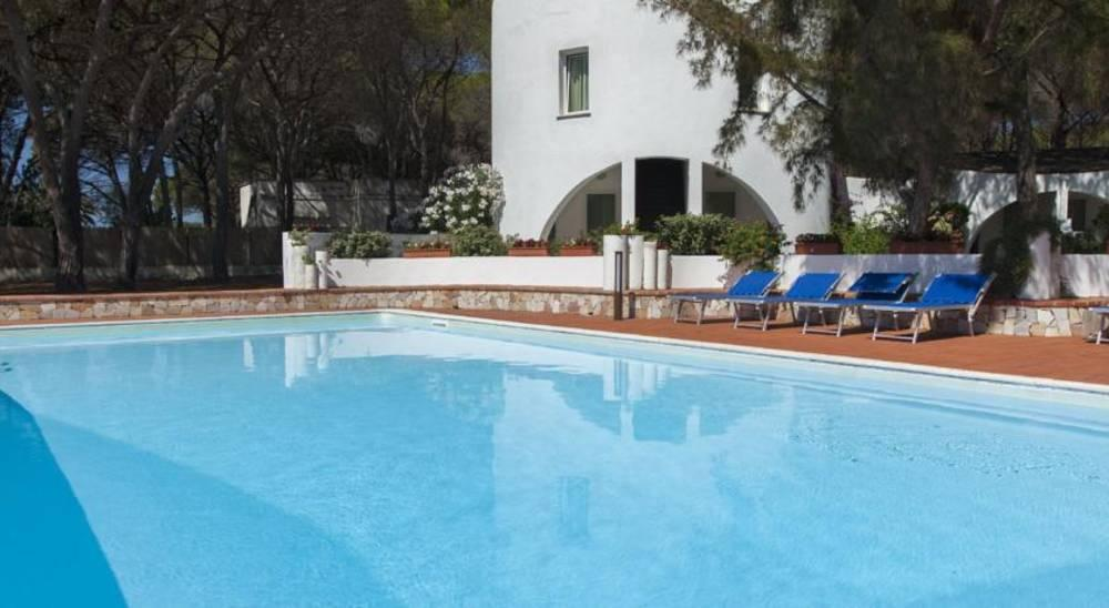Holidays at Mare Pineta Hotel in Santa Margherita Di Pula, Sardinia