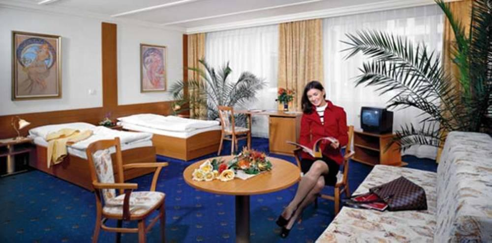 Top praha hotel prague czech republic book top praha for Top hotel prag
