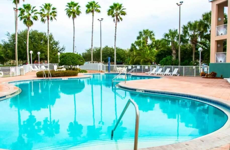 Holidays at Clarion Suites Maingate Hotel in Kissimmee, Florida