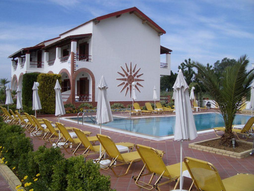 Villa del sol apartments sidari corfu greece book for Villas del sol
