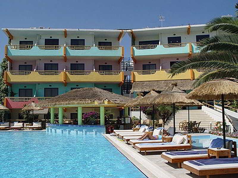 Holidays at Latino Bay Hotel in Ialissos, Rhodes
