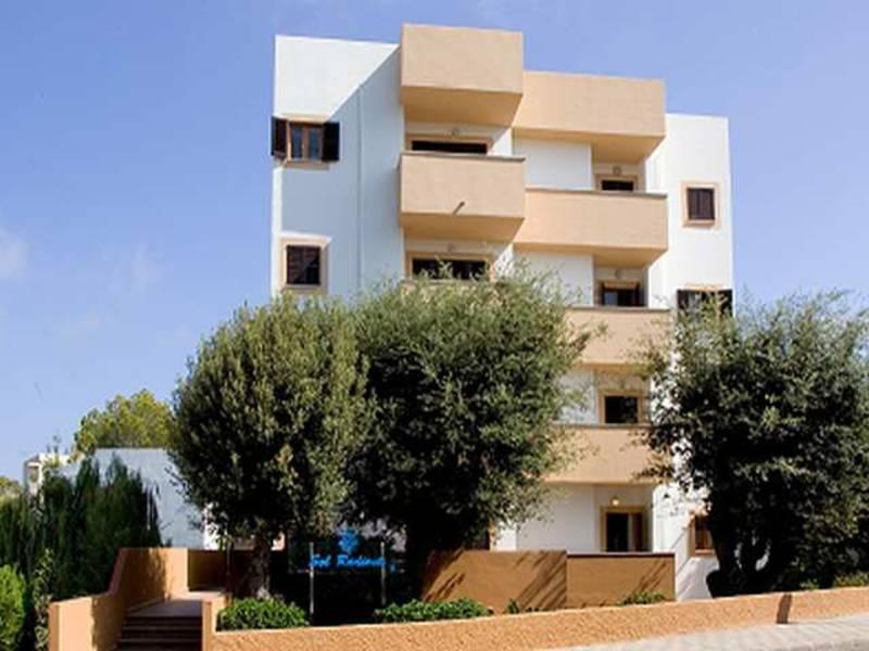 Holidays at Sol Radiante Apartments in Canyamel, Majorca