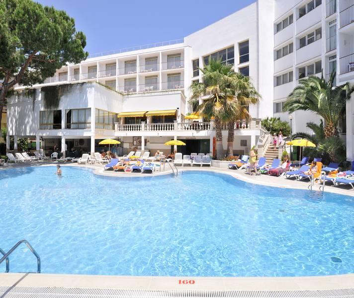 Holidays at GHT Costa Brava Tossa Hotel in Tossa de Mar, Costa Brava