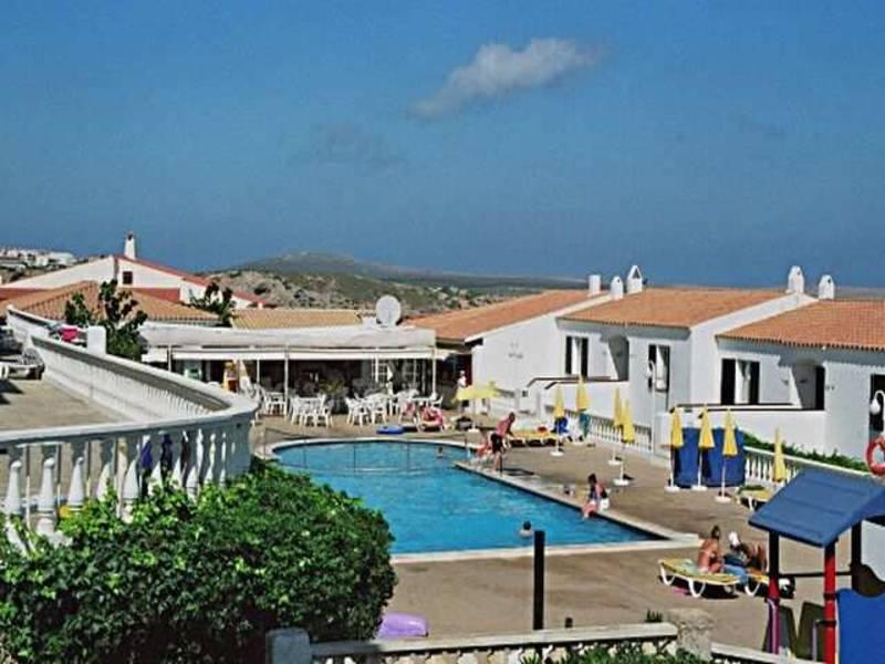 Holidays at Arepar Apartments in Arenal den Castell, Menorca