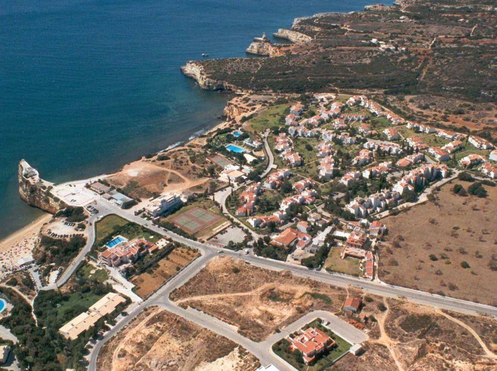 Holidays at Vila Senhora Da Rocha Apartments in Armacao de Pera, Algarve