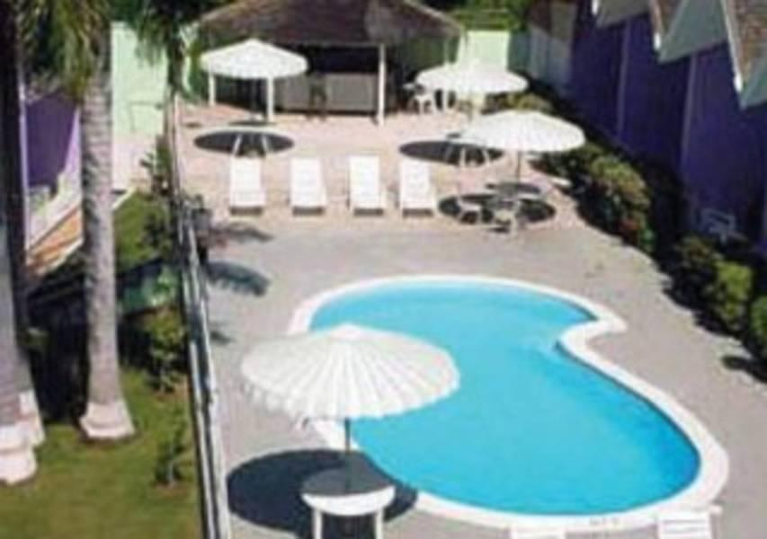 Holidays at Wexford Court Hotel in Montego Bay, Jamaica