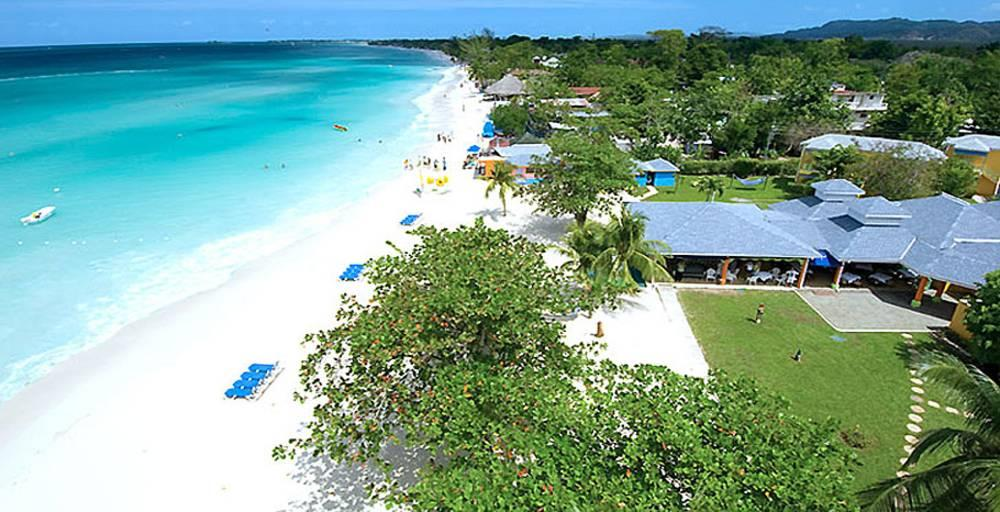 Holidays at Grand Pineapple Resort in Negril, Jamaica