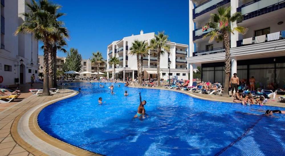 Holidays at Pins Platja Apartments in Cambrils, Costa Dorada