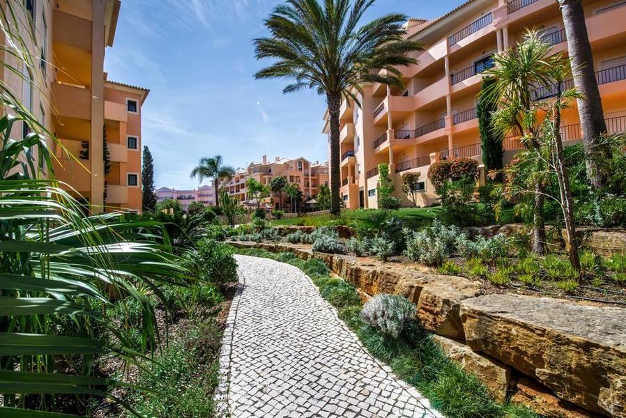 Estrela Da Luz Hotel, Praia da Luz, Algarve, Portugal  Book