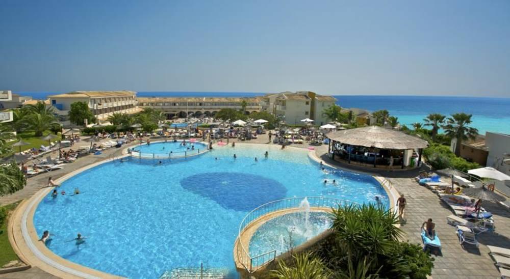 Holidays at Blau Punta Reina Resort Hotel in Cala Mandia, Majorca