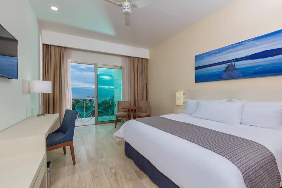 Holidays at Krystal Puerto Vallarta Hotel in Zona Hotelera, Puerto Vallarta