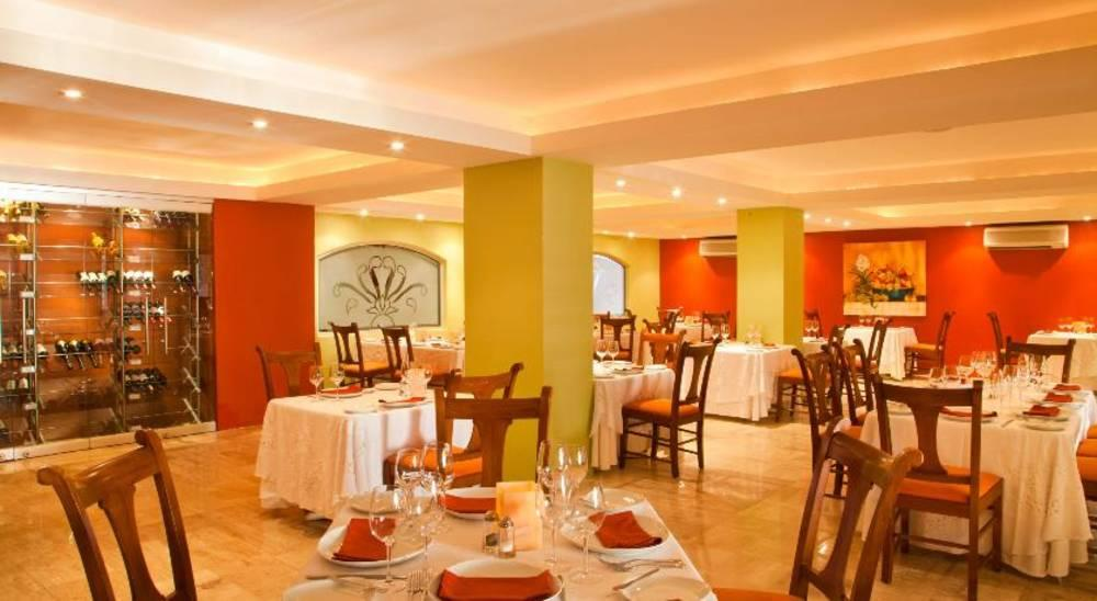 Plaza Pelicanos Grand Beach Resorts Hotel