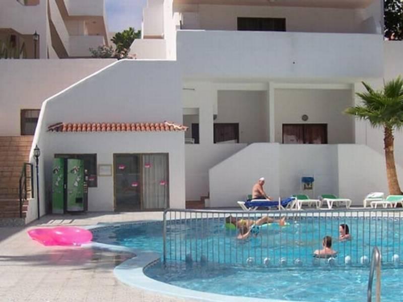Parque Cattleya Apartments