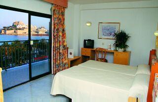 Holidays at Servigroup Papa Luna Hotel in Peniscola, Costa del Azahar