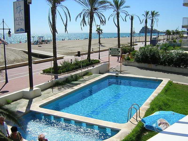Holidays at Sundays Beach Hotel in Peniscola, Costa del Azahar