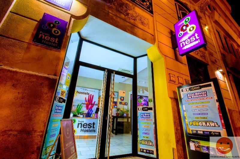 Holidays at Purple Nest Hostel in Valencia, Costa del Azahar