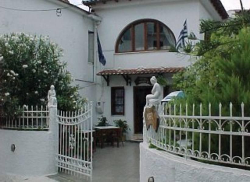 Holidays at Morfo Hotel in Skiathos Town, Skiathos