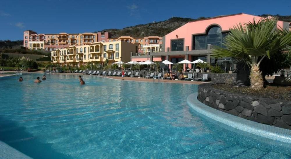 Holidays at Las Olas Aparthotel in Playa De Los Cancajos, La Palma
