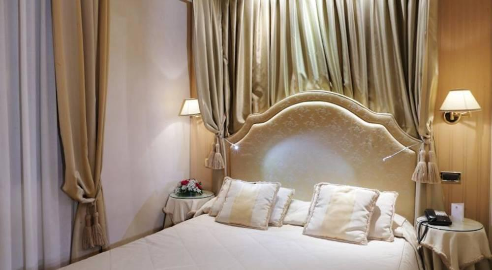 Holidays at A La Commedia Hotel in Venice, Italy