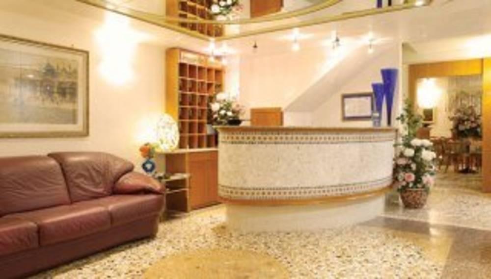 Holidays at Antica Casa Carettoni Hotel in Venice, Italy