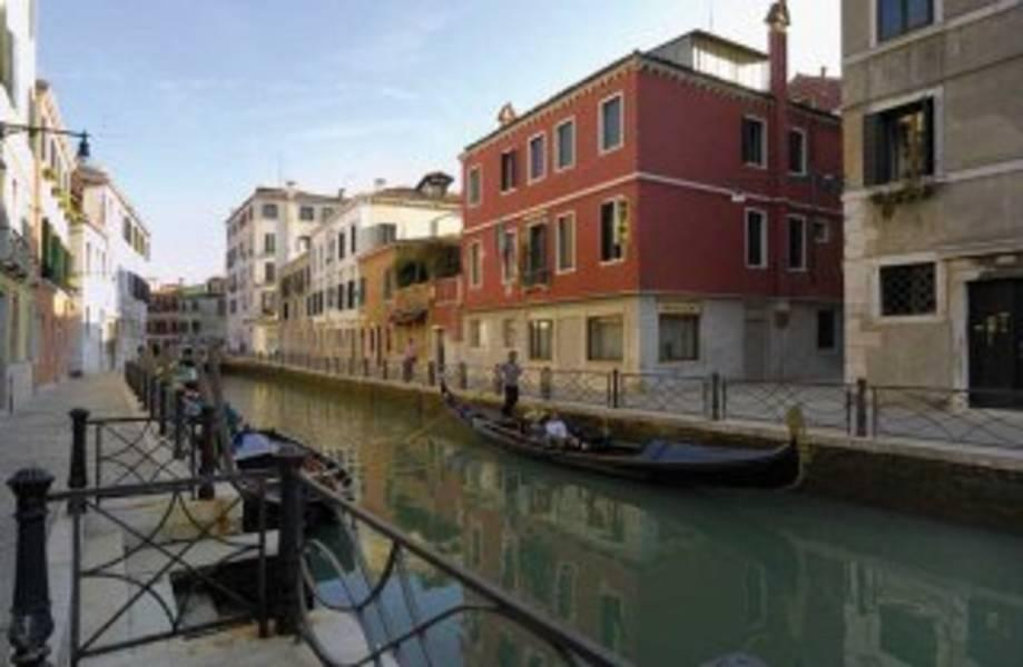 Holidays at Basilea Dependance Hotel in Venice, Italy