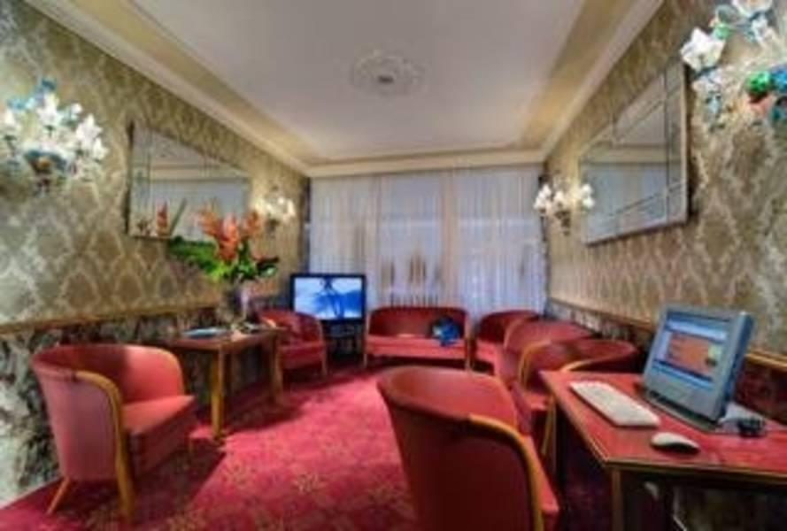 Holidays at Best Western Montecarlo Hotel in Venice, Italy